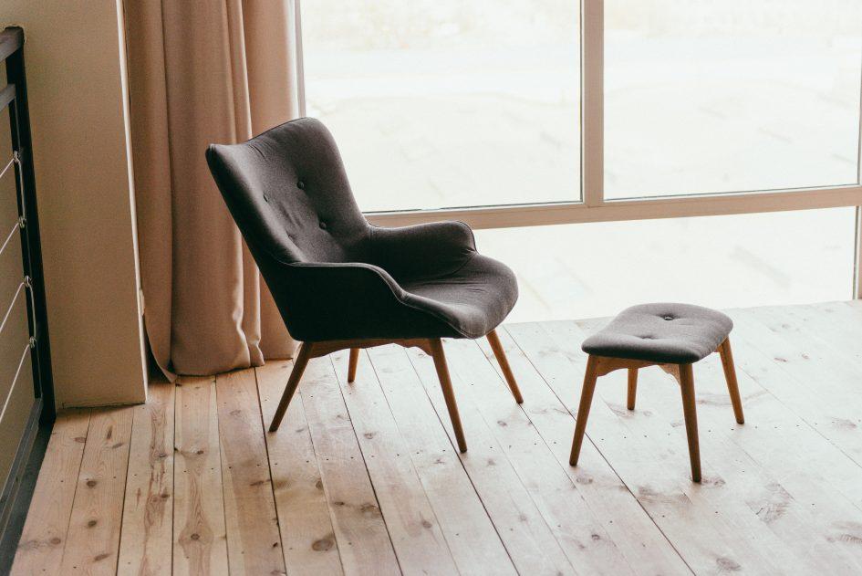zeldenrustsierbestrating houten vloer